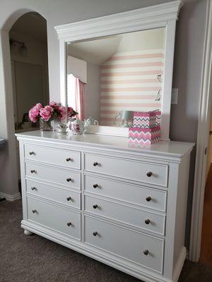 Girls bedroom set-full size for Sale in Frisco, TX