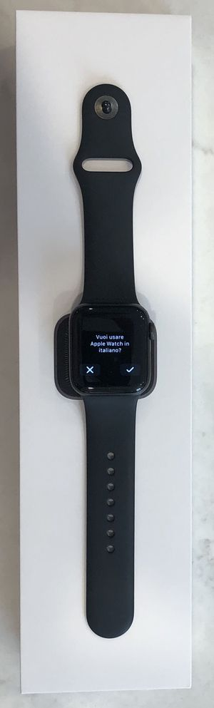 Apple Watch Series 5 GPS + Cellular, 40mm Space with Black Sport Bands. for Sale in Mission Viejo, CA