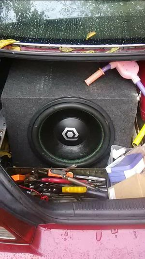 15 inch Subwoofer Box for Sale in Norfolk, VA