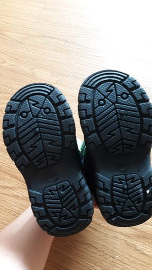 snow shoes size 8 children for Sale in Auburn, WA