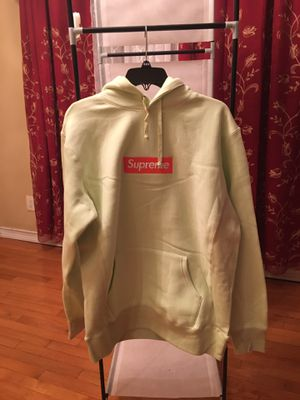 Supreme box logo hoodie sz L for Sale in Gaithersburg, MD