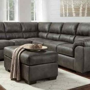Ashely Leather gray sectional for Sale in Humble, TX