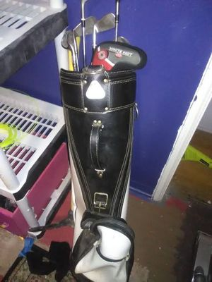 Golf bag with clubs for Sale in Las Vegas, NV