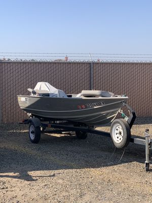 Gregor Aluminum fishing boat with trailer for Sale in Clovis, CA
