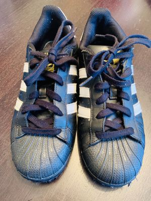 Adidas - Size 6 1/2 Boys Youth for Sale in Clinton, MD