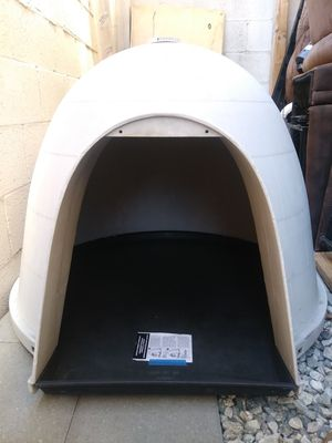 Dogloo Igloo Dog House Shelter for Sale in Los Angeles, CA