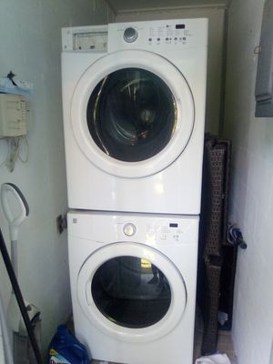 Kenmore stackable washer and dryer set for Sale in Tampa, FL