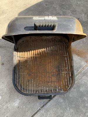 "21.5"" CHAR-BROIL BBQ GRILL for Sale in Stockton, CA"