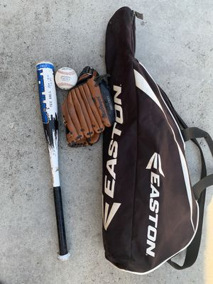 Tee ball Bat with glove, baseball and bag for Sale in Bell, CA