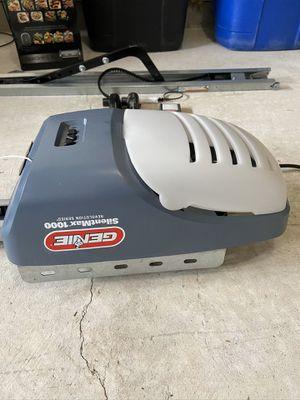Genie SilentMax 1000 3/4 HPc Ultra-Quiet Belt drive Garage door opener for Sale in Middle River, MD