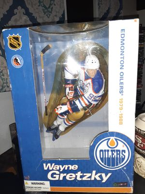 McFarlane NHL 12 inch Wayne Gretzky Edmonton Oilers, White Jersey brand new for Sale in Tracy, CA