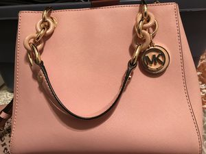 Micheal Kors purse and wallet for Sale in Alton, IL