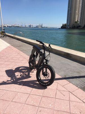 Hyper scrambler 1100 W motor large battery $2400 for Sale in Miami, FL