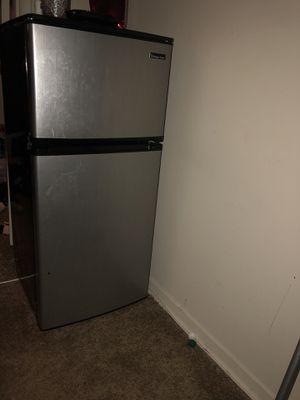 Magic Chef Mini fridge for Sale in Washington, DC