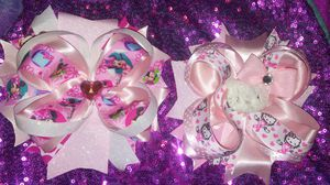 New minnie mouse & hello kitty bows for Sale in Fresno, CA