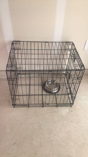 Small puppy or cat crate 24 inch with bowl included for Sale in Hutto, TX