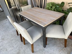 4 chairs table heavy duty metal legs brand new in box assembly required PRICE IS FIRM- Mesa de 4 sillas super fuerte patas de metal for Sale in Los Angeles, CA