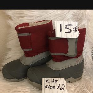 Snow Boots Size 12 Kids ..... 15$ for Sale in Vernon, CA