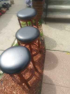 3 small bar stools for Sale in Detroit, MI
