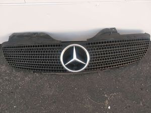 Mercedes SLK grill oem fits year 1998-2004. In excellent condition. for Sale in Carson, CA