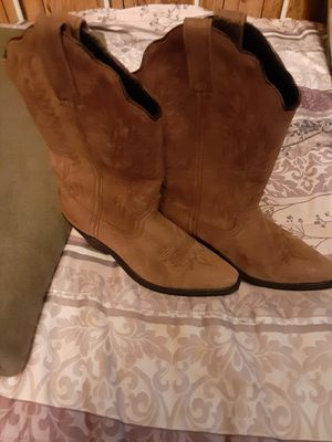 Womens boots size 6..brand new for Sale in Liberty, SC