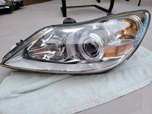 Hyundai genesis sedan 2009 2010 2011 left headlight xenon hid complete for Sale in Lawndale, CA