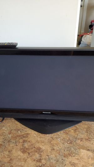Panasonic 40 inch TV for Sale in Elyria, OH