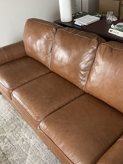 Leather Couch- Excellent Condition for Sale in Quincy,  MA