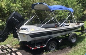 Ranger 320V... Premium sound system including JL Audio and MTX subwoofer. 2 electric bilge pumps functioning, new carpet, new electrical panel, 4 rod for Sale in Davie, FL