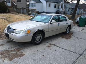 1997 Lincoln Cartier Town Car for Sale in Florissant, MO