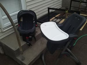 GRACO HEIGHT CHAIR & CAR SEAT for Sale in Philadelphia, PA