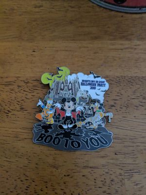 Disney Limited Edition Pin for Sale in BETHEL, WA