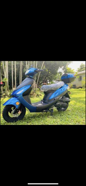 Scooter boom 50cc for Sale in Miami, FL
