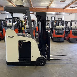 2009 Crown Stand Up End Control Forklift for Sale in Claremont, CA