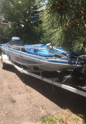 Bass cat V6 150 hp FISHING/SKI trolling motor nice trailer new tires for Sale in Hays, KS