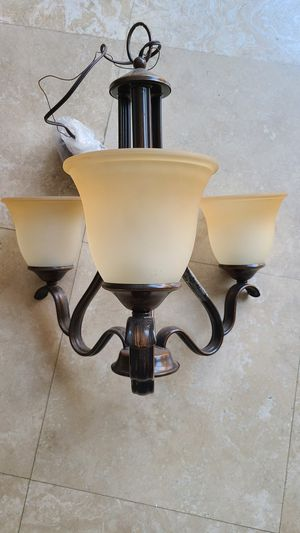 New chandelier, oil rubbed bronze color 3 bul for Sale in HUNTINGTN BCH, CA