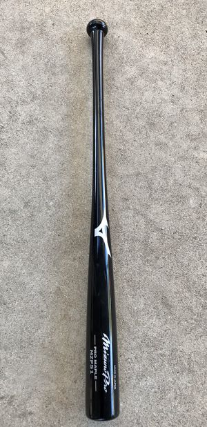 New Mizuno pro maple wood baseball bat 33/30 for Sale in West Carson, CA