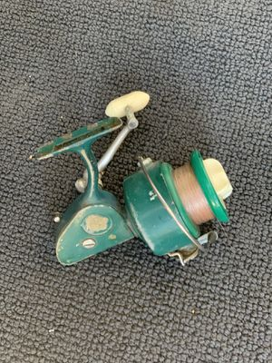 Penn 711 vintage green open face fishing reel works well but needs to be greased it's a little slow from not been greased for Sale in Palm Harbor, FL