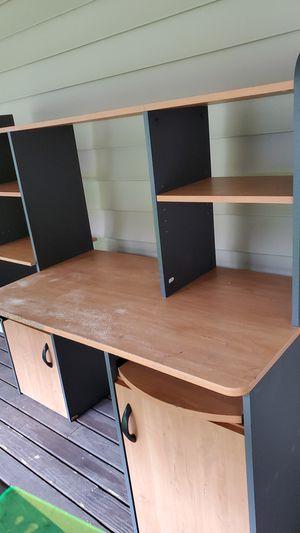 Free desk for Sale in Auburn, WA