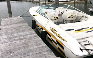 Gorgeous Boat Powerquest Legend 1999 for Sale in Lincoln, NE