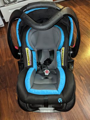 Baby trend, infant car seat for Sale in Hamburg, NY