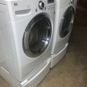 LG Great Condition Washer And Gas Dryer Set for Sale in Bakersfield, CA