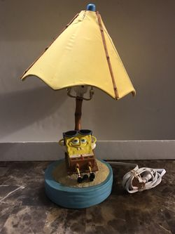 Nickelodeon Spongebob Squarepants lounging on the beach lamp READ for Sale in Carpentersville,  IL