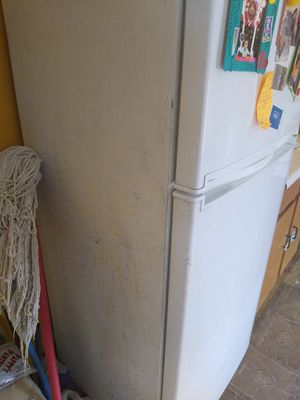 Refrigerator Samsung for Sale in El Paso, TX