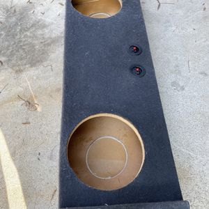 2007 -2013 Chevy crew Cab Sub Box For 2/12s for Sale in Sanger, CA