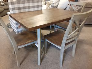 DINING TABLE WITH 4 CHAIRS for Sale in Nashville, TN