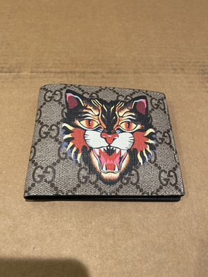 GUCCI TIGER WALLET for Sale in Corona, CA
