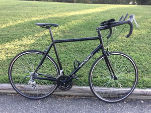 VILANO LARGE 58cm. ALUMINUM FRAME ROAD /TRI BIKE-LIKE NEW, NEEDS NOTHING, READY FOR THE ROAD for Sale in Virginia Beach, VA