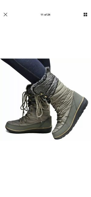 Snow boots for women size 5.5,6.6.5,7,7.5,8,8.5.9,10 for Sale in Bell Gardens, CA