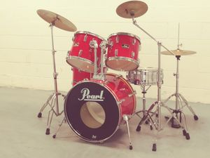 EXCELLENT PEARL DRUM SET. ALL CYMBALS, STANDS AND HARDWARE INCLUDED. $375 for Sale in Baltimore, MD